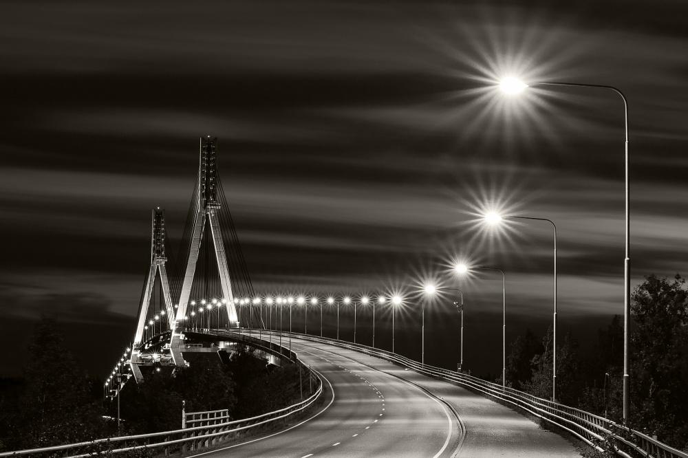 Tinted bridge