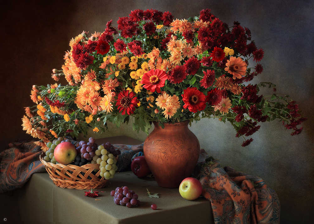 Fotokonst Still life with a bouquet of chrysanthemums and fruit