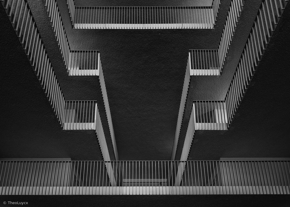 Fotokonst Looking upstairs