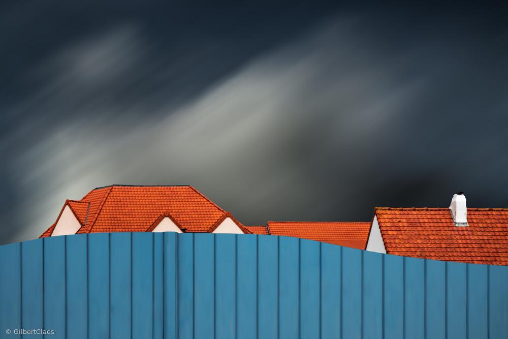 Fotokonst Living behind the fence