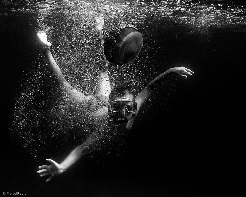 Fotokonst Junior and Jelly-fish (2003)