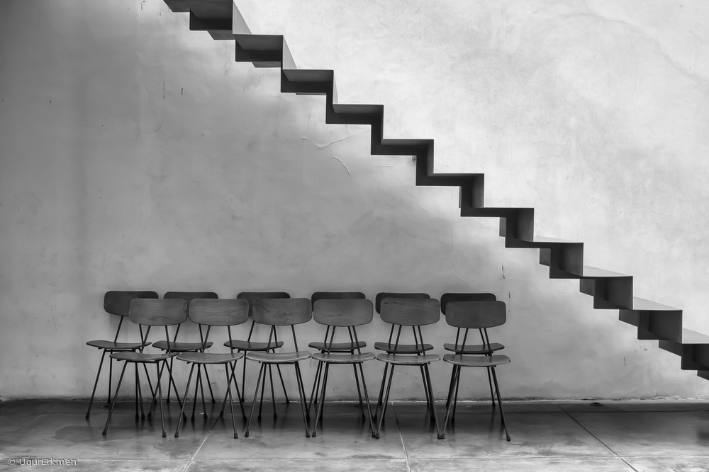 Fotokonst Chairs tucked in
