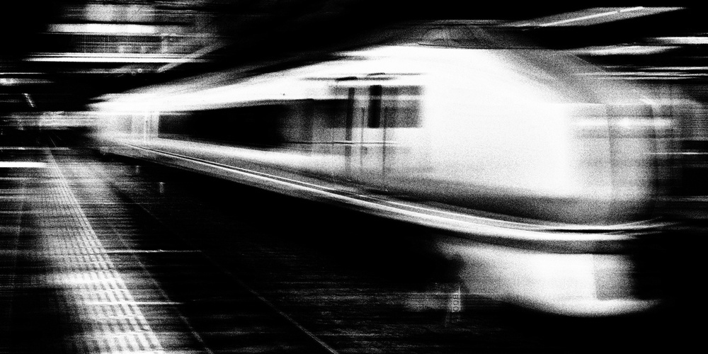 Fotokonst Express Train - Omiya Station, Japan