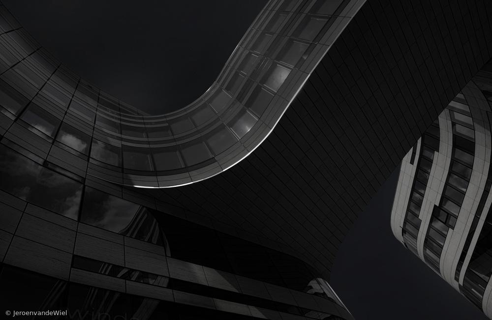 Fotokonst Curves in the dark
