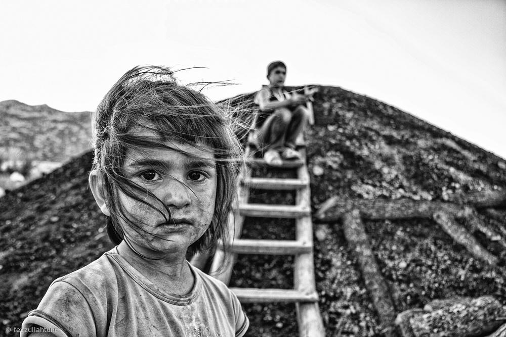 Fotokonst daughter of charcoal