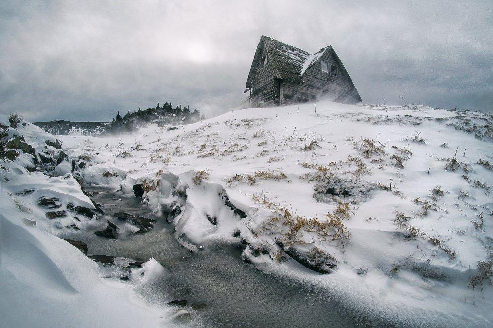 Fotokonst Snowstorm on mountain
