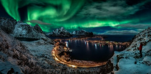 Chasing the Northern Lights by Javier de la Torre