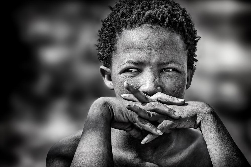 Fotokonst young bushmen woman