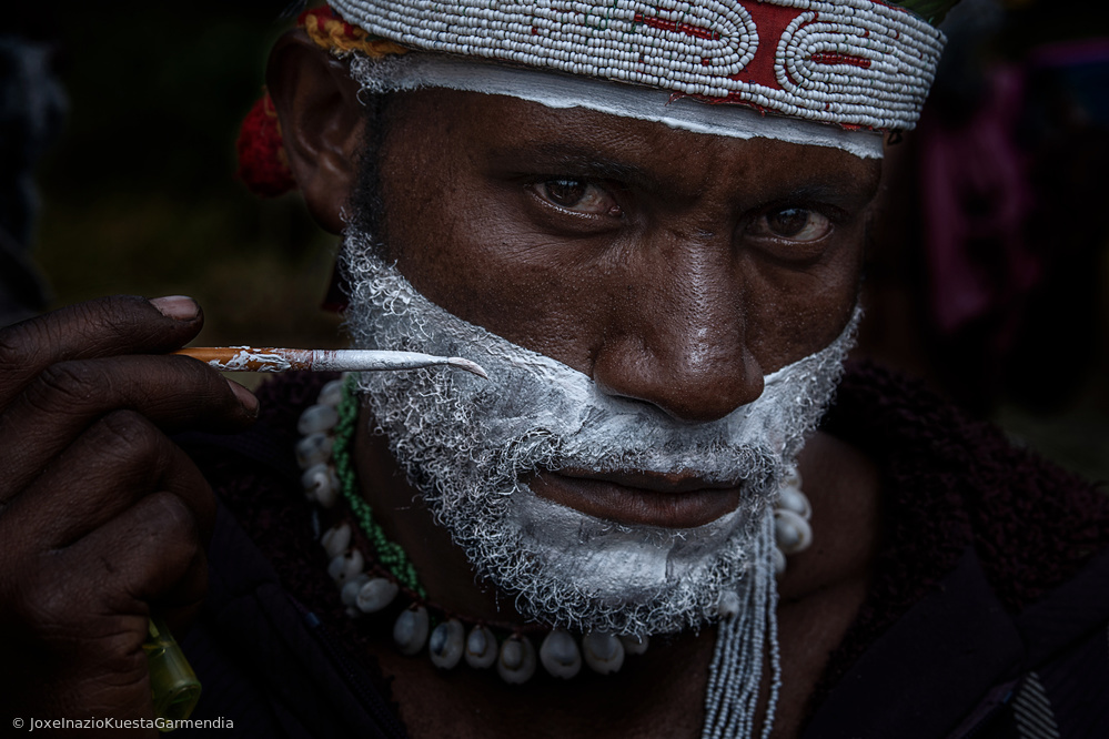 Fotokonst Painting for the sing-sing festival in Mt. Hagen-Papua New Guinea