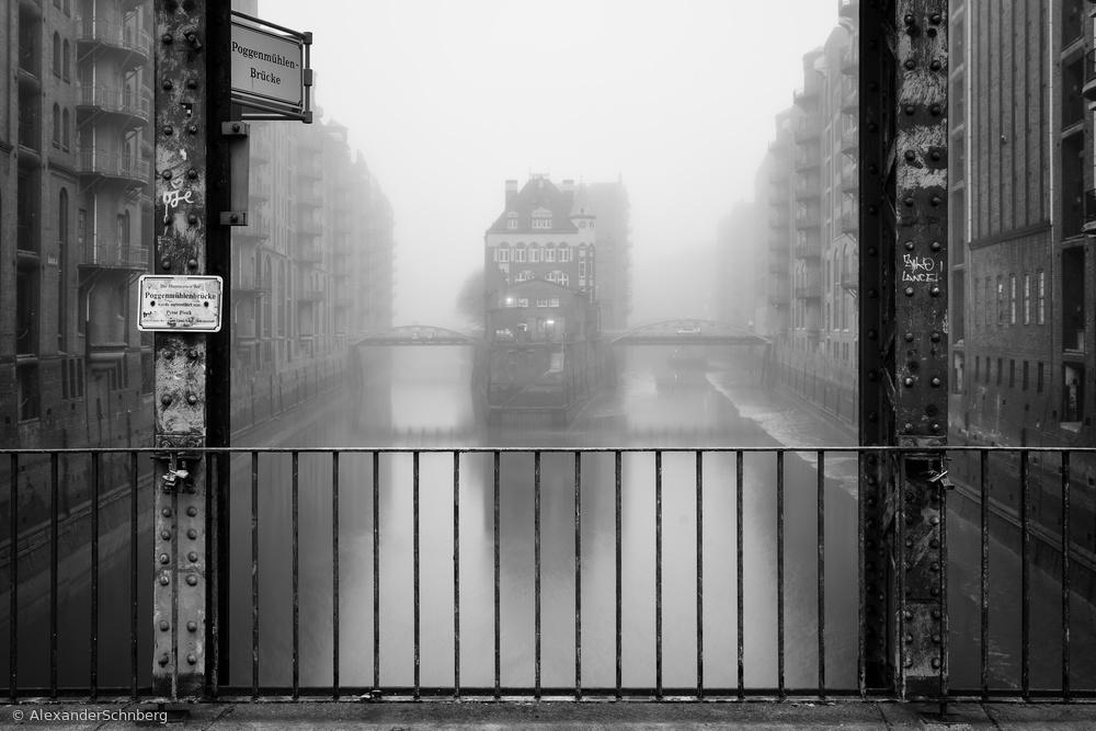 Fotokonst Wasserschloss bei Nebel