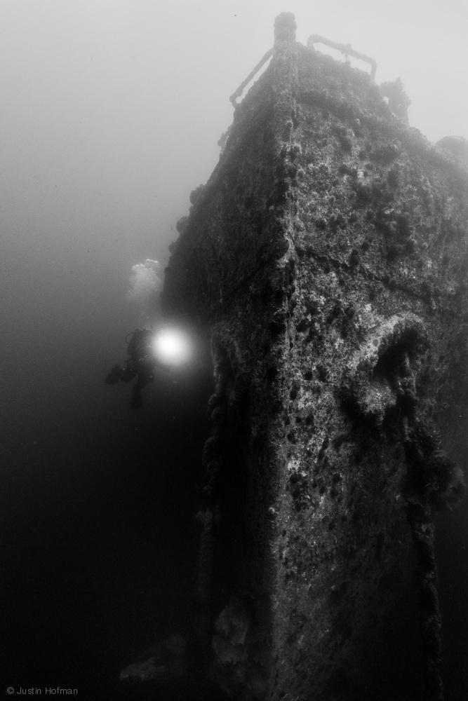 Fotokonst PLM - 27, World War II wreck