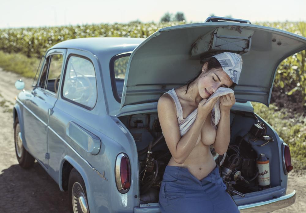Fotokonst Field, heat, girl and car.