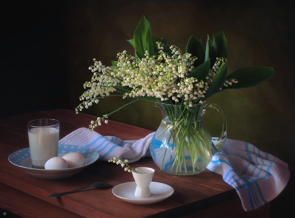 Fotokonst Still life with a bouquet of lilies of the valley