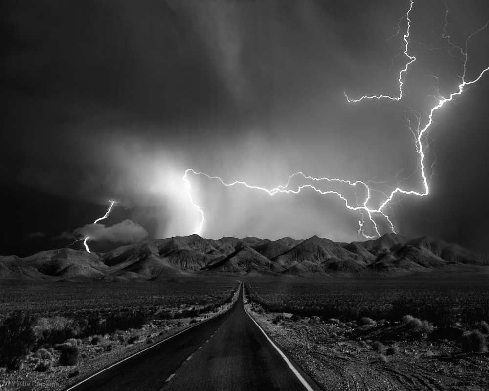 Fotokonst On the Road with the Thunder Gods