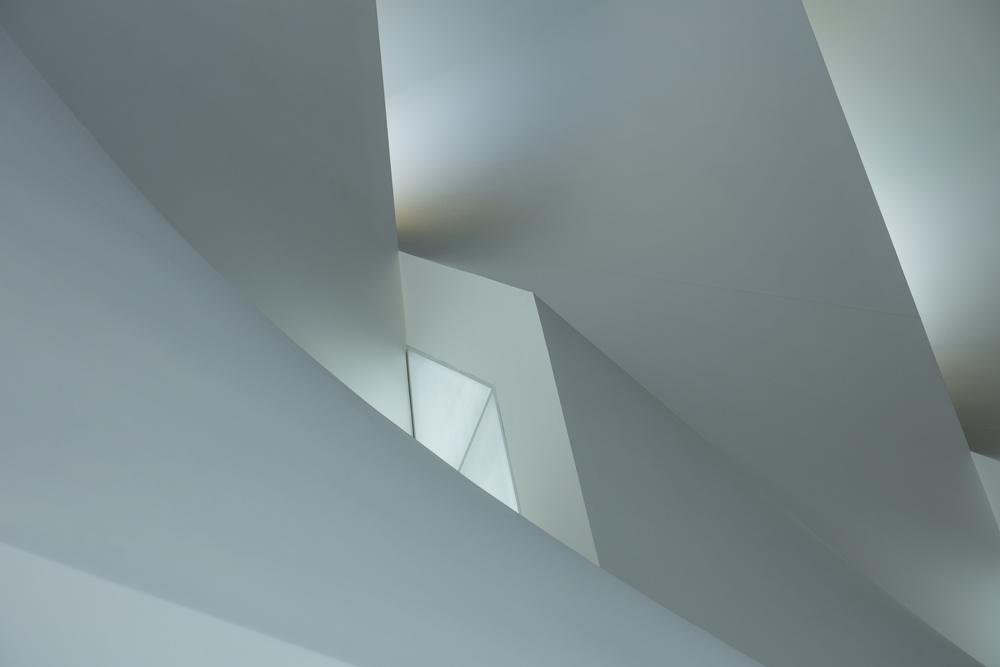 Fotokonst Minimalistic play of lines and light