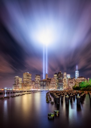 9-11 Tribute lights by IÑIGO CIA