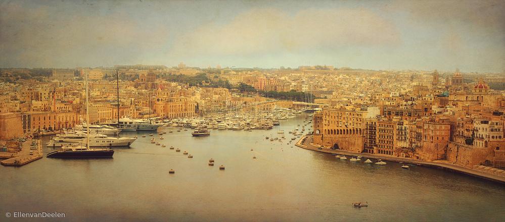 Fotokonst View from Upper Barakka, Valletta, Malta