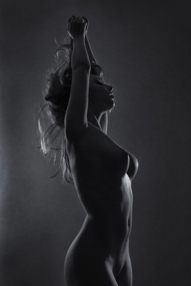 Poster light-sculptured body