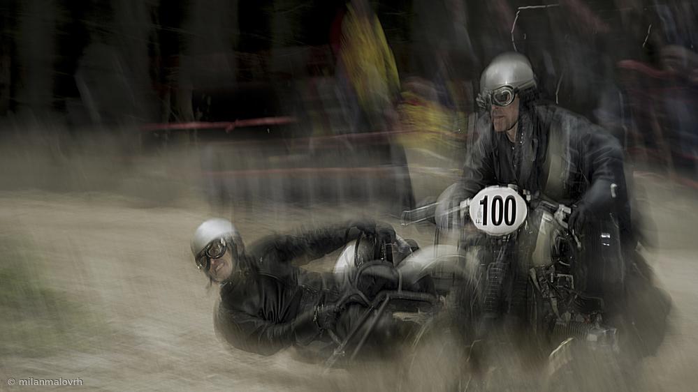 Fotokonst the serious race