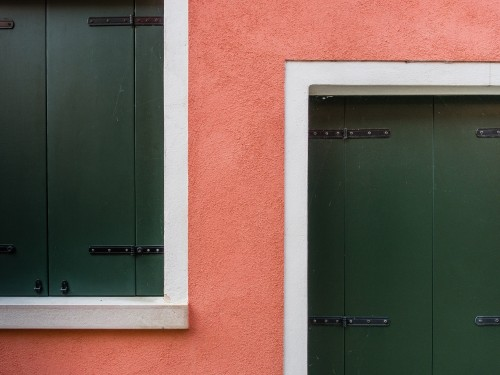 Pink & green by Luc Vangindertael
