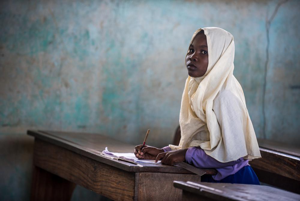 Poster African school girl
