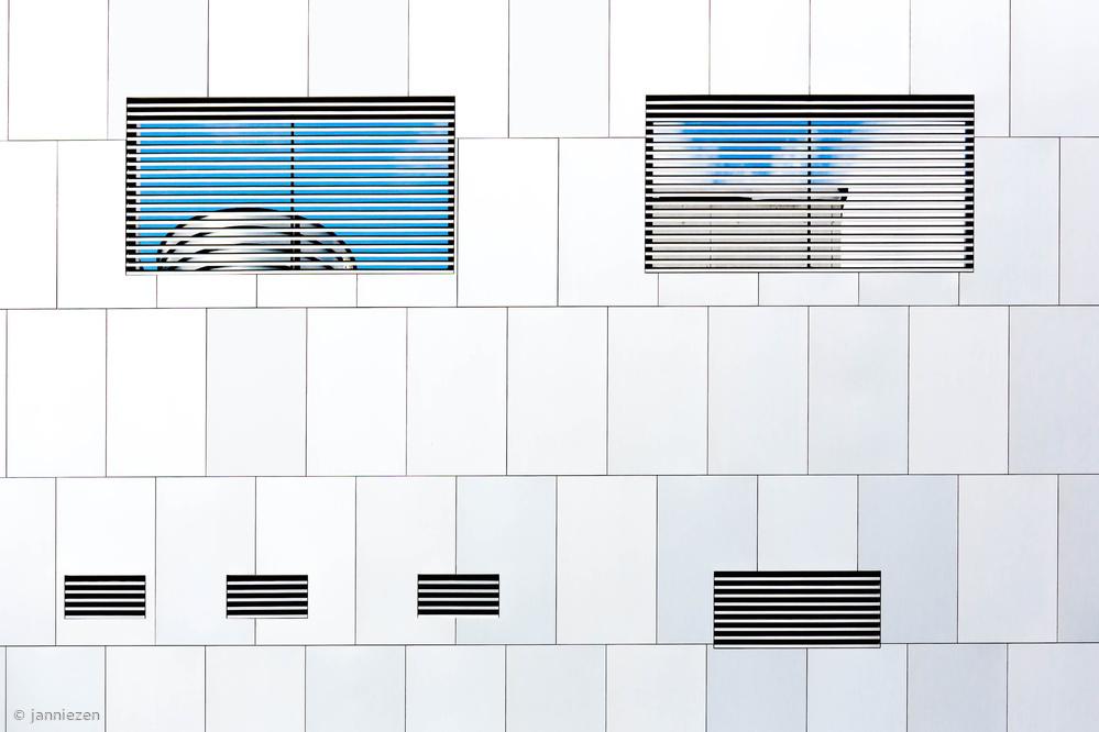 Poster Asymmetric Architecture