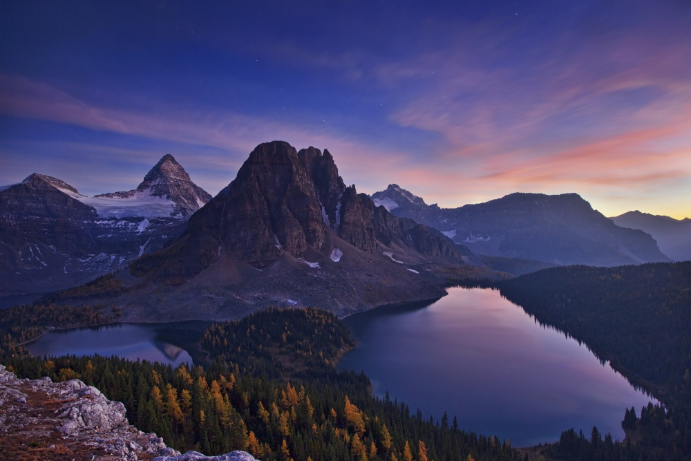 Poster Twilight at Mount Assiniboine