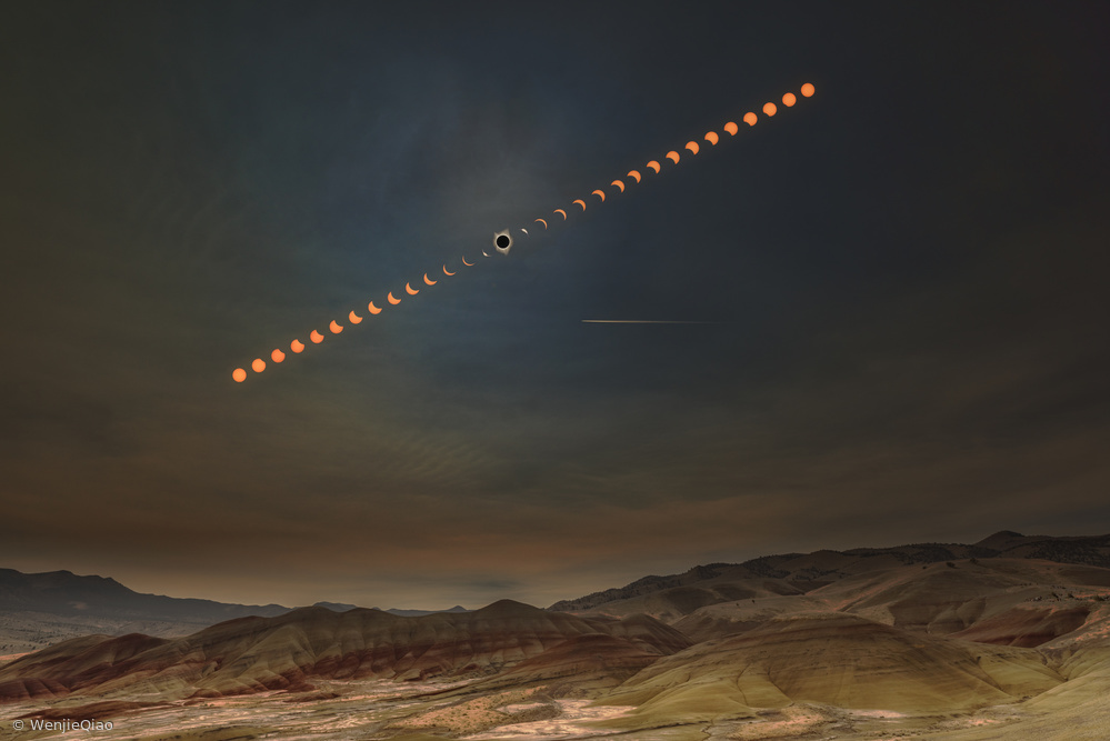 Fotokonst Painted Hills with Solar Eclipse