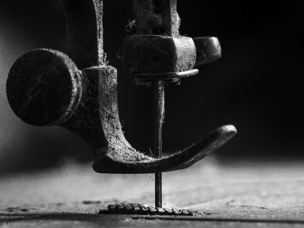 Fotokonst .....Element sewing machine.....