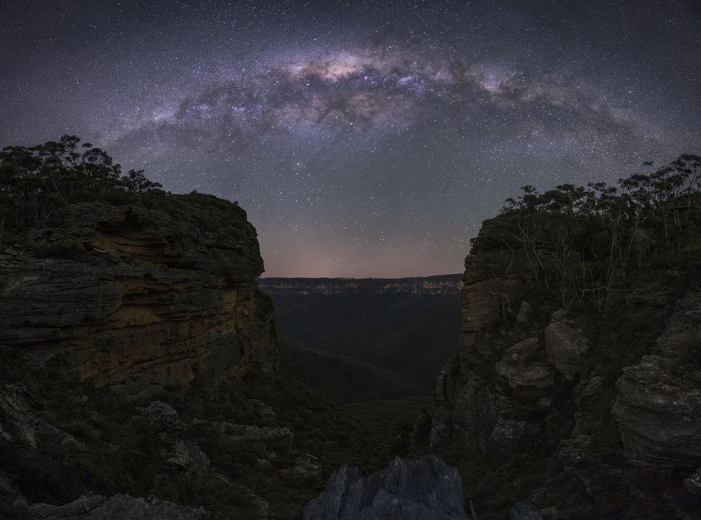 Fotokonst Night Sky over Blue Mountains