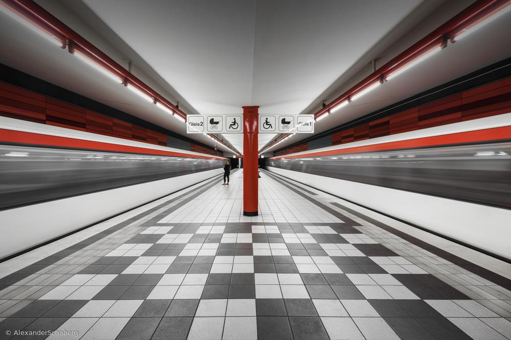 "Fotokonst metro station ""Wartenau"""