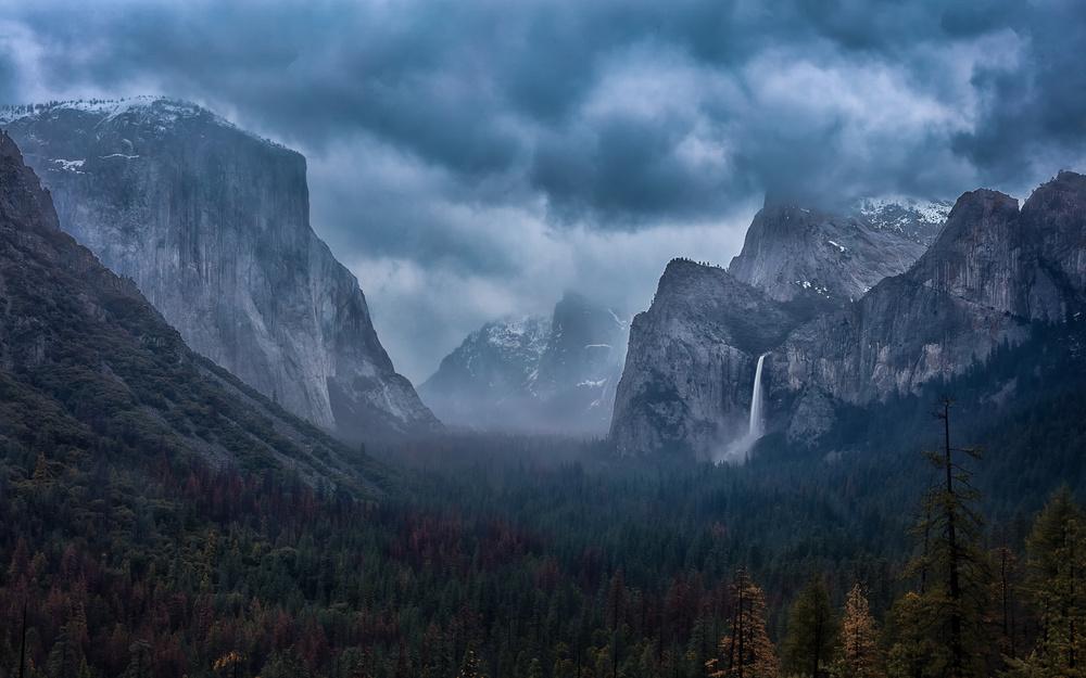 Fotokonst Amidst A Thunderstorm