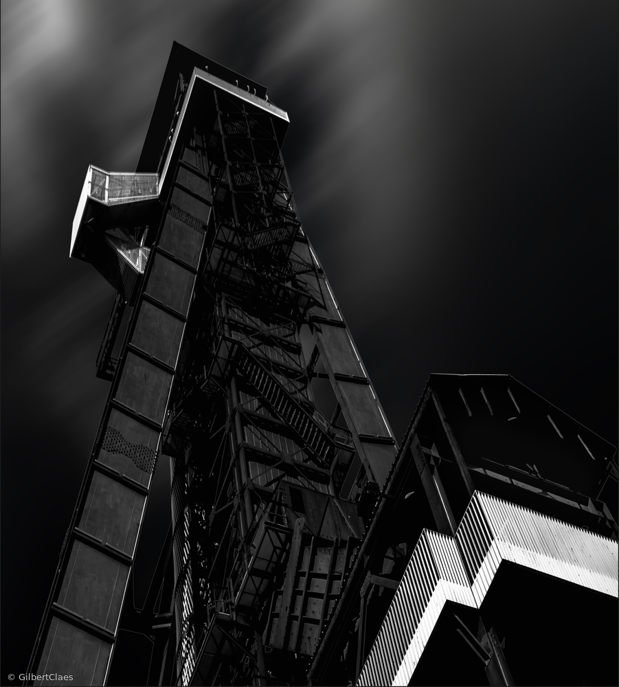 Fotokonst shaft tower