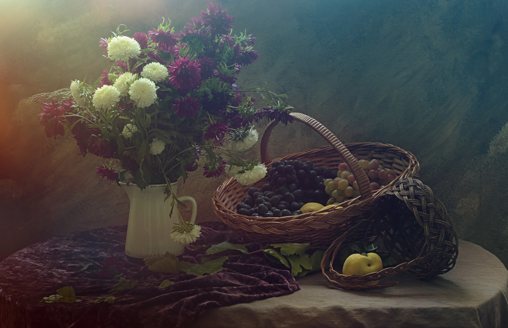 Still life with Flowers and Grapes