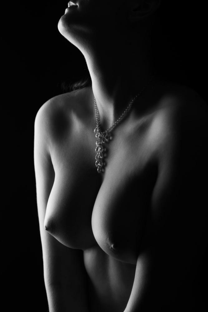 Nude curves