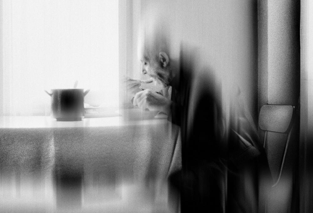 Fotokonst Dining in the silence of oblivion