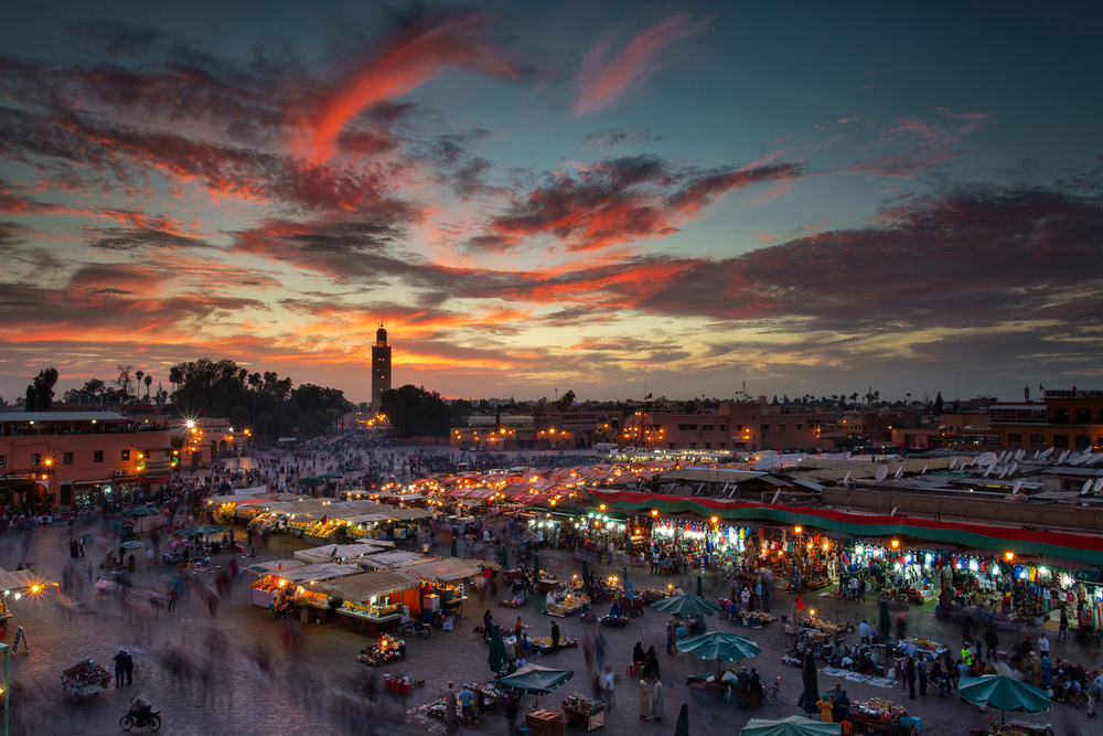 Poster Sunset over Jemaa Le Fnaa Square in Marrakech, Morocco