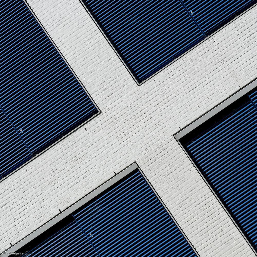 Fotokonst Crossed facade