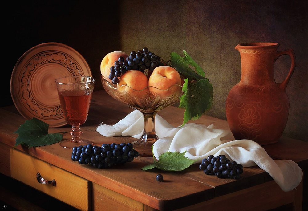 Fotokonst Still life with peaches and grapes